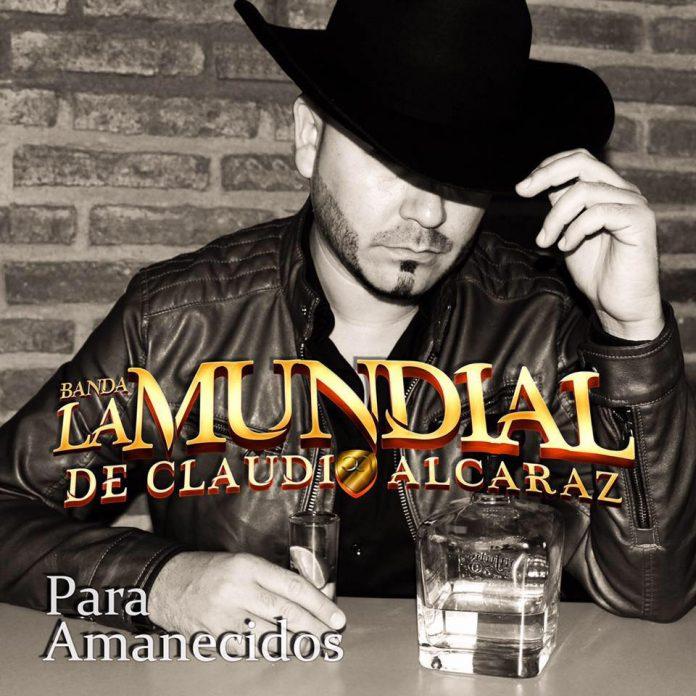 """Banda La Mundial de Claudio Alcaraz tiene un álbum ideal para """"los fiestones""""."""