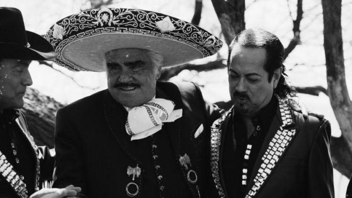 Vicente Fernández agradece a Los Tigres del Norte tema en su honor