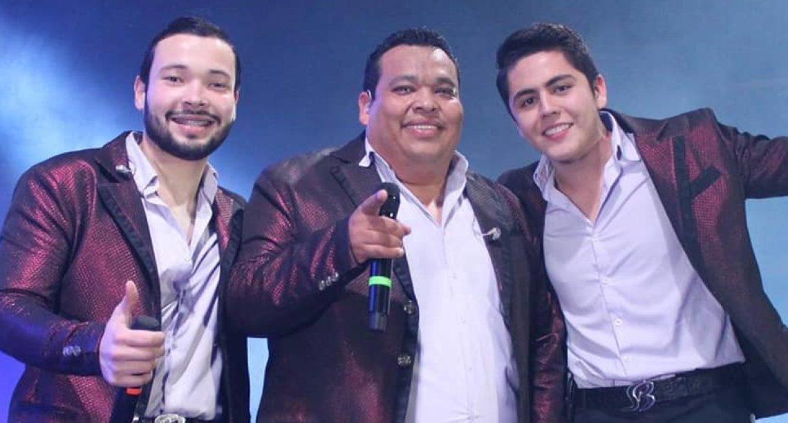Banda Los Sebastianes domina las listas con A Través del Vaso